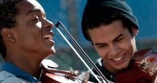 Microcritiche / Un violino ci salverà?
