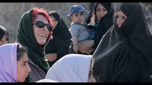 Microcritiche / Tre donne nel medioevo iraniano in tempo reale