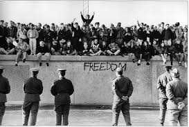 In una parola / Autoritarismi, Autorità  e Libertà