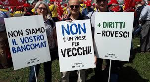 """Dalla Francia appello dei """"vecchi"""" in rivolta"""