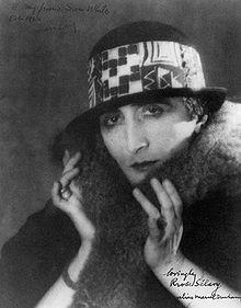 Il divenire donna di Marcel Duchamp  (…e il suo rifiuto del lavoro)